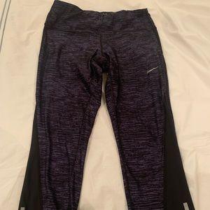Nike cropped run tights small